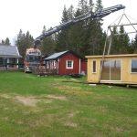 Håkskog 2 är en friggebod med bastu som levereras färdigmonterad